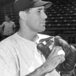 1946 - Alex Carrasquel, Chicago White Sox pitcher, signs a three-year contract with the Mexican League - the first shot in the event that will dominate baseball even more than the return of World War II veterans.