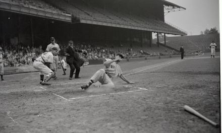 TheBoston Red Soxclinch theAmerican Leaguepennant, edging theCleveland Indians, 1 – 0, onTed Williams'inside-the-park home run