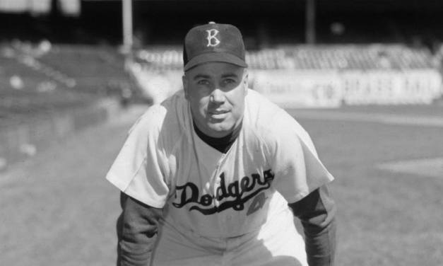 Duke Sniderjoins teammateGil Hodgesin the 40-homer club, giving theDodgerstwo 40-HR sluggers in two straight seasons. The Dodgers win, 10 – 5.