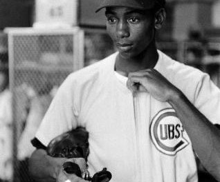 Ernie Bankshits agrand slam– the first of five on the year – to lead theChicago Cubsto a 10 – 8 victory that snaps theBrooklyn Dodgers' 11-game winning streak.