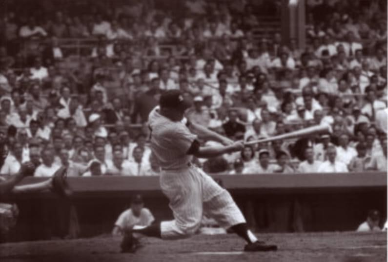 Mickey Mantle's opposite-field homer' offCamilo Pascualin the 1st inning, jump starts theYankeesto a 12 – 2 win over theSenators. Mantle is now 9 games ahead ofBabe Ruth's1927pace.