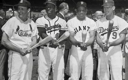 AtForbes Field,Hank Aaron's 8th-inning single ties the score and a triple hit byWillie Maysplates Aaron with the winning run in the 5 – 4All-Starvictory in the first of the two Mid-Summer Classics to be played during the season.Don Drysdalepitches perfect ball the first three innings.