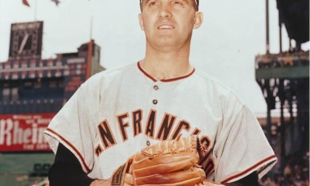 The White Sox trade pitchers Don Larsen and Billy Pierce to the Giants for pitchers Eddie Fisher, Dom Zanni, Verle Tiefenthaler and first baseman Bob Farley.