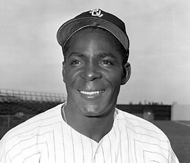 Chicago White Sox trade outfielder Minnie Minoso to the St. Louis Cardinals for outfielder Joe Cunningham.