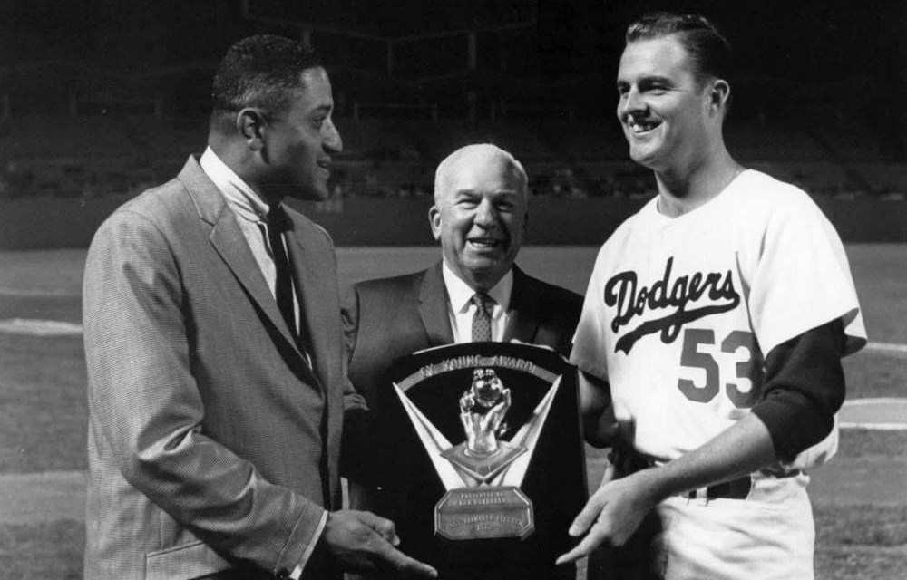 Los Angeles DodgerspitcherDon Drysdalewins the1962 Cy Young Award, outpollingJack Sanfordof theSan Francisco Giantswith 14 of 18 votes.