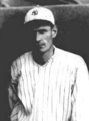 The New York Yankees purchase Wally Pipp and Hugh High from the Detroit Tigers