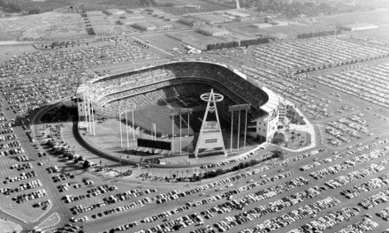 TheCalifornia Angelsplay their first game atAnaheim Stadium.Rick Reichardtof the Angels hits the firsthome runin the new ballpark, but California loses the game, 3 – 1, to theChicago White Sox.