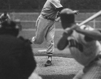 Kansas City Royals trade pitcher Hoyt Wilhelm to the California Angels