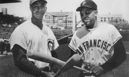 GiantslegendWillie Mays(615) andErnie Banksof theCubs(504) both hithome runsmaking it the first time two big leaguers with500 home runsdo it in the same game.