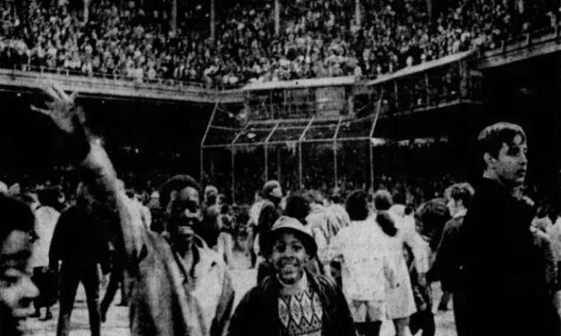Phillies beat Expos in last game at Connie Mack Stadium