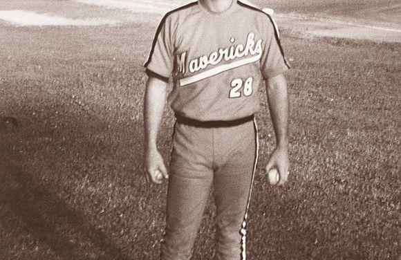Kurt Russell makes his professional baseball debut