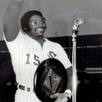 Dick Allenof theChicago White Soxwins theAmerican League MVP Award