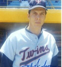 The first arbitration ruling in baseball history is decided in favor of Twins' hurler Dick Woodson