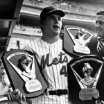 Tom Seaverof theNew York Metswins his third1975 Cy Young Award