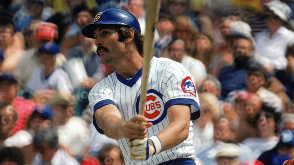 Dave Kingman of the Chicago Cubs hits three home runs vs Dodgers