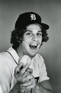 Tiger Stadiumis packed with 48'361 fans to seeMark Fidrych's return