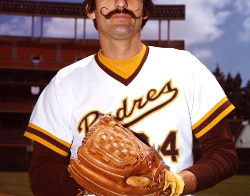 TheCardinalsandPadrescomplete the first majortradeat the annualwinter meetingsinDallas, TX. RelieverRollie Fingers, who won 11 games and saved 23 for San Diego in1980, and 24-year-old catcherTerry Kennedy, who hit .254 forSt. Louis, are the keys in the 11-player swap.