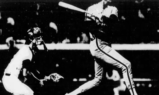 Steve Carlton lifts a grand slam off Fernando Valenzuela to lead the Phillies to a 7 – 2 win over the Dodgers.