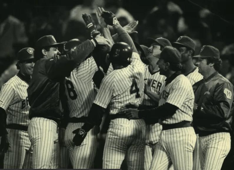 Paul Molitor 39 game hitting streak halted – longest AL streak since Joe DiMaggio