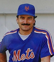 Keith Hernandez reaches 1000 RBI