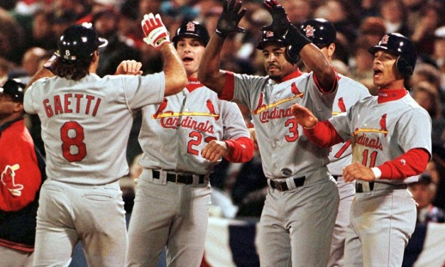 Gary Gaetti hits a grand slam off Greg Maddux to lead the St. Louis Cardinals to an 8 – 3 win over the Atlanta Braves and a tie of the NLCS. Todd Stottlemyre gets the victory.