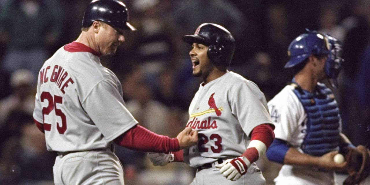 Fernando Tatisof theSt. Louis Cardinalsbecomes the first player in major league history to hit twogrand slamsin one inning