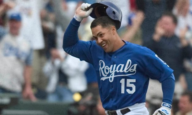 Kansas City RoyalsoutfielderCarlos Beltranis named theAmerican League Rookie of the Year