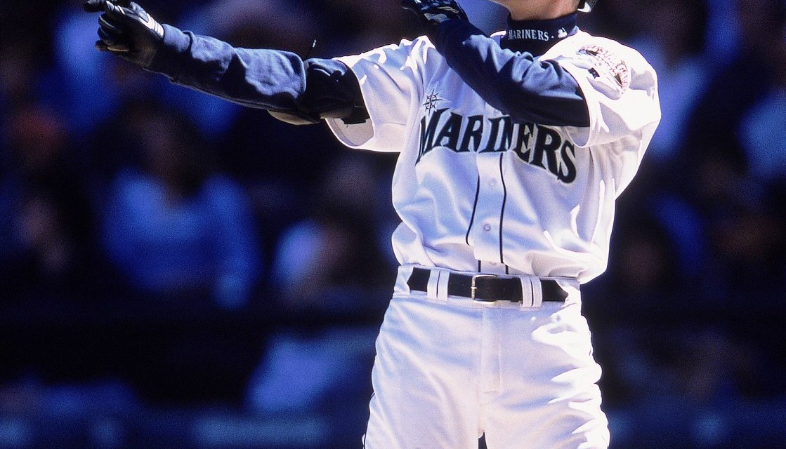 Seattle MarinersoutfielderIchiro Suzukibecomes only the second player in major league history to win theMost Valuable PlayerandRookie of the Yearawards in the same season