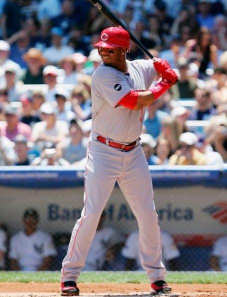 Ken Griffey Jr. hits his 600th home run