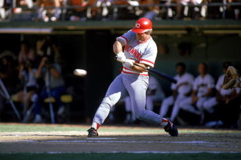 Pete Rose extends his hitting streak to 37 games