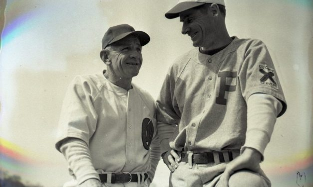 New York Mets manager Casey Stengel, announces his retirement
