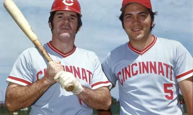 Johnny Bench of the Cincinnati Reds collects his 300th career home run