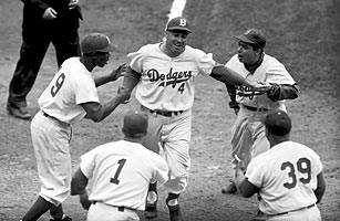Roy Campanella steals home to seal extra inning win for Dodgers