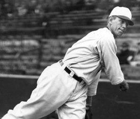 White Sox righty Ted Lyons pitches a 6-0 no-hitter against Boston