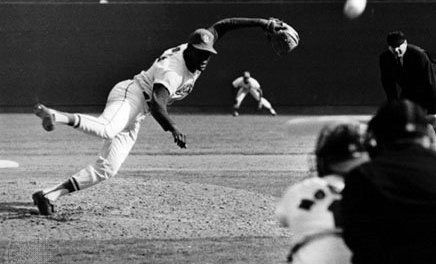 Bob Gibson strikes out 17 Detroit Tigers to set world series record