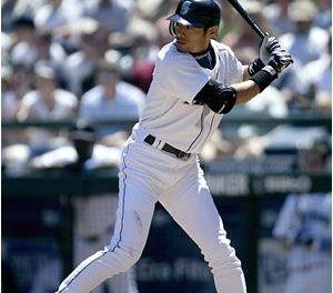 Ichiro Suzuki makes history, breaking the major league record for hits in a single season