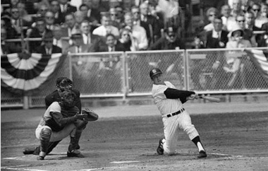 Mickey Mantle, facing Barney Schultz, slams the first pitch of the bottom of the ninth inning giving New York a dramatic 2-1 walk-off victory
