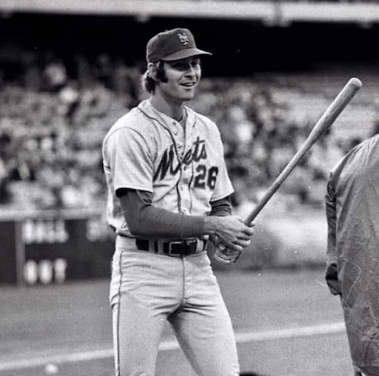 Mets right fielder Dave Kingman, in the team's 11-0 victory at Dodger Stadium, hits three home runs.