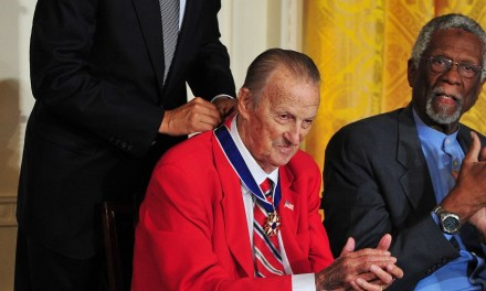 Stan Musial receives medal of honor