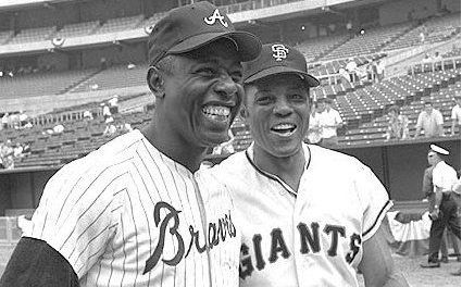 Willie Mayssigns a two-year contract with theSan Francisco Giantsfor $165,000 per season.