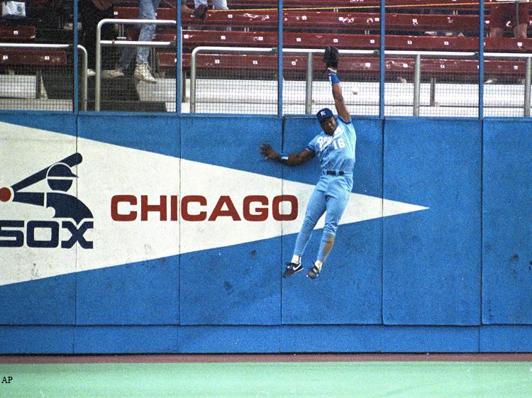 Bo Jackson throws out Harold Reynolds