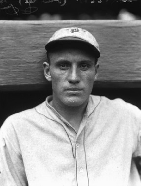 Chuck Klein and Ott doubleheader tied at 42 home runs apiece Klein wins HR crown and Lefty ODoul sets the NL hit record