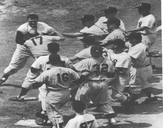 Yankees and White Sox Brawl – Full Broadcast June 13 1957 New York Yankees at Chicago White Sox