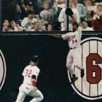 1989-Free agentoutfielderKirby Puckettre-signs with theMinnesota Twinsfor $9 million over three years, making him the first major league player ever to sign a contract that calls for an average salary of $3 million per year.