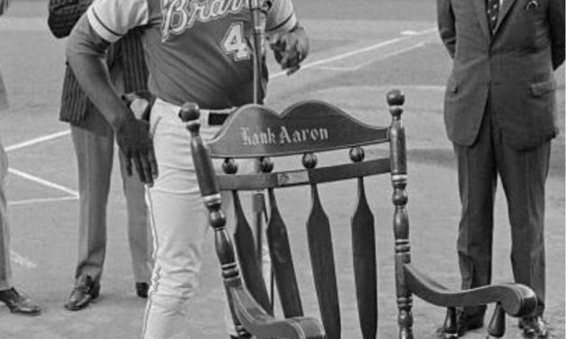 June 17, 1974 – Hank Aaron addresses the crowd as the Mets honor him at Shea Stadium.