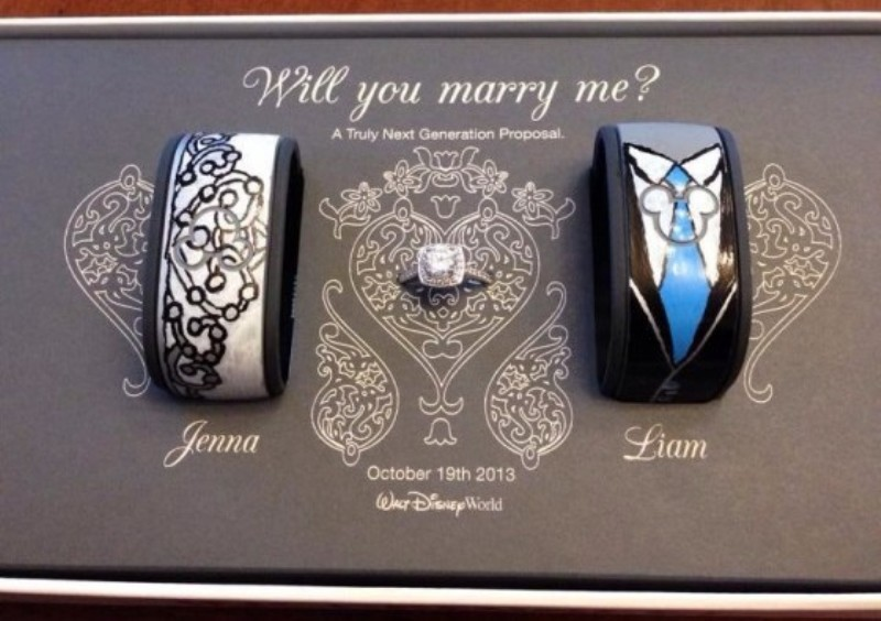 A MagicBands Marriage Proposal At Walt Disney World This