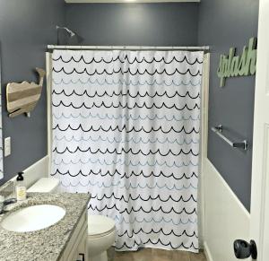 A Kid And Guest Friendly Nautical Themed Bathroom | thisgratefulmama.com