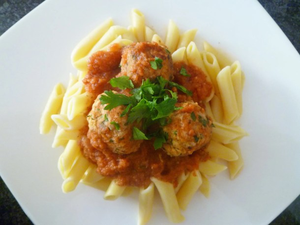 Penne Marinara with Tuna Meatballs -- Simple marinara sauce with herb-flavoured tuna meatballs.   thishappymommy.com