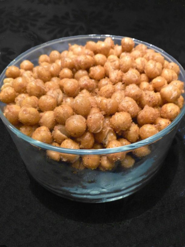 BBQ Roasted Chickpeas -- With a lightly sweetened barbeque flavour, this crisp and crunchy snack is perfect any time of the day. | thishappymommy.com