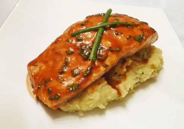 Miso Glazed Salmon -- Lightly sweetened Asian-inspired salmon fillet, made with only 4 ingredients. | thishappymommy.com